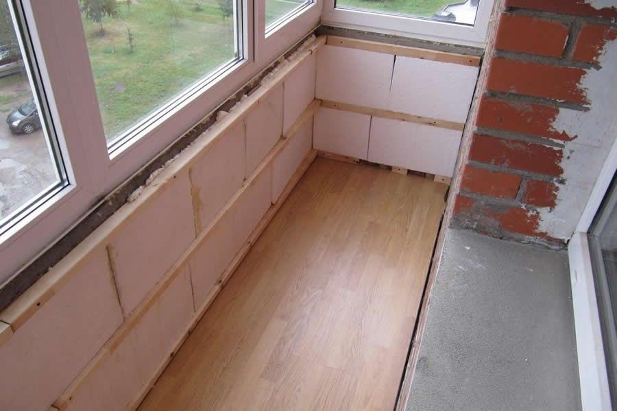 Советы специалистов: как самостоятельно остеклить балкон.